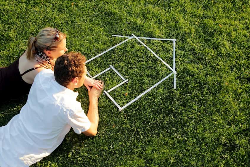 Mietwohnung suchen - Paar sucht ein neues Zuhause © fotolia / Fotolia_43700873_M / RioPatuca Images