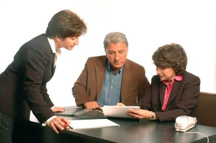 Unterzeichnung Mietvertrag © fotolia / Robert lerich